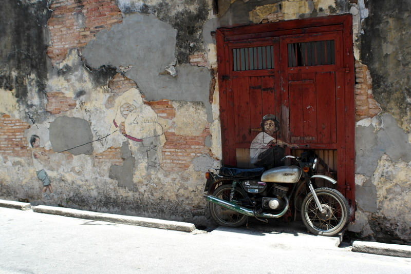 w01-boy-on-a-bike-wall-painting-armenian-street-georgetown