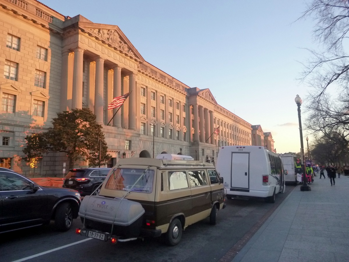 25 met permissie even parkeren op 15th street, Willie naar het White House