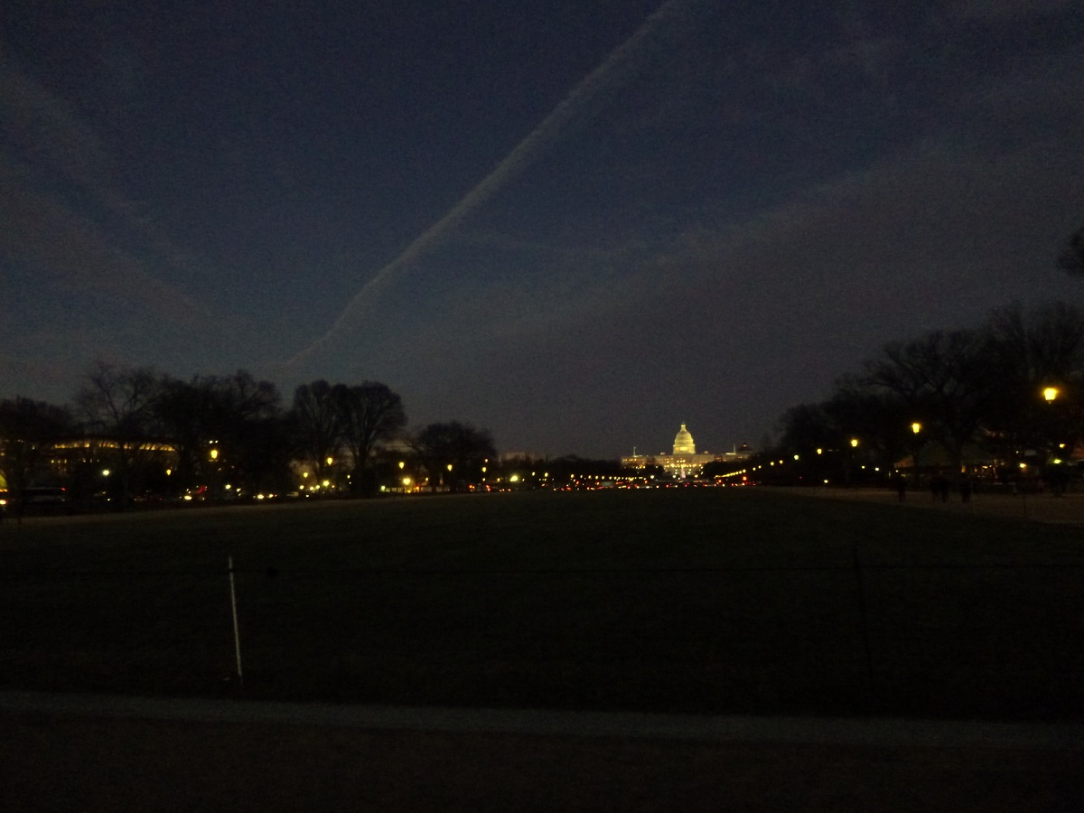 29 vanuit The National Mall – US Capitol in de avond