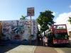 10 Hop On Hop Off, een actief komen en gaan van vele gasten in deze kleurrijke sfeervolle wijk