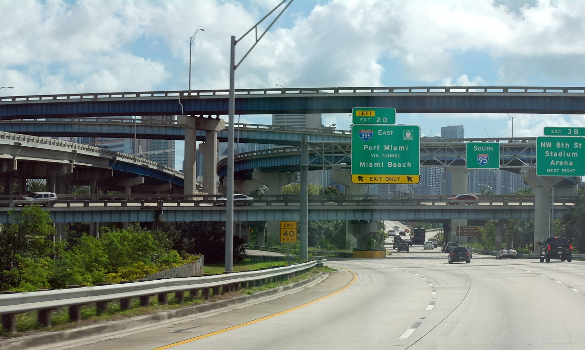13 op weg naar Port Miami – even kijken waar we op de 16e januari ons VW busje kunnen afleveren voor verscheping naar Rotterdam