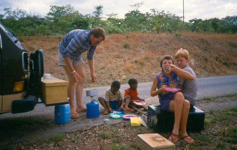 02 ontbijt onderweg Afrika.jpg