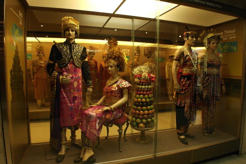 07-prachtige-traditionele-kleding