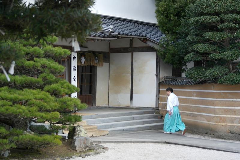 14-monnik-op-weg-naar-de-tempel