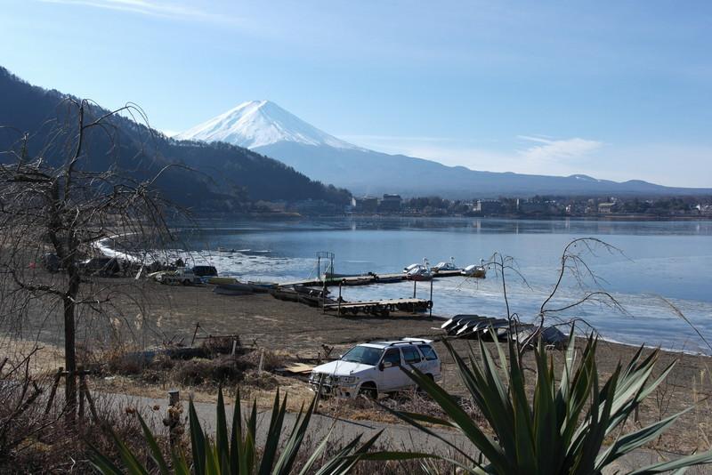 29-een-mooie-rustige-zondag-ochtend-aan-de-voet-van-mt-fuji