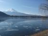 27-mt-fuji-spiegelbeeld-en-gebroken-ijs