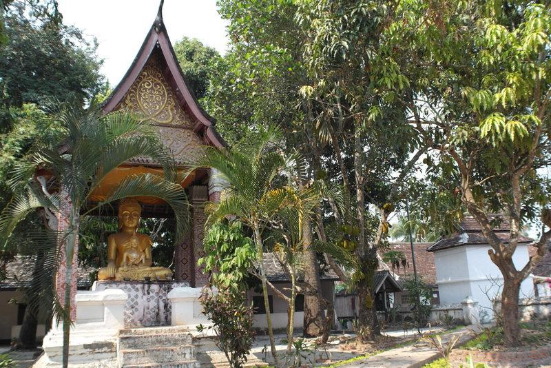 432-de-xi-boun-heuang-temple