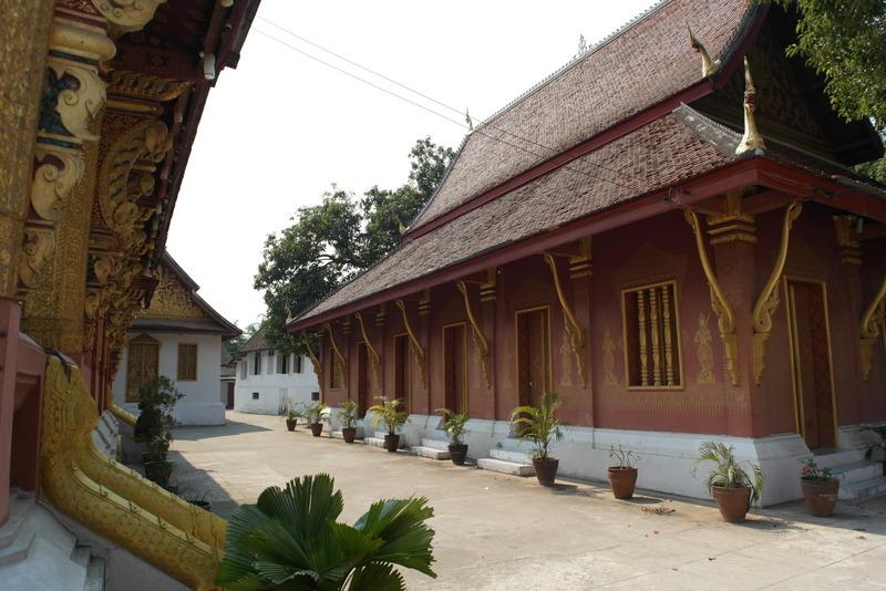 442-rust-en-stilte-op-tempel-terrein