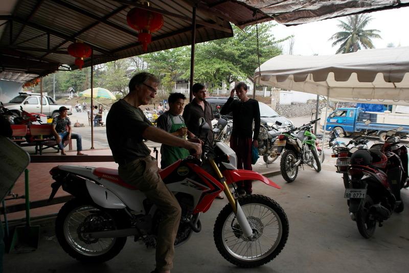 01-deze-honda-staat-me-aan-kptm-motorbike-for-rent