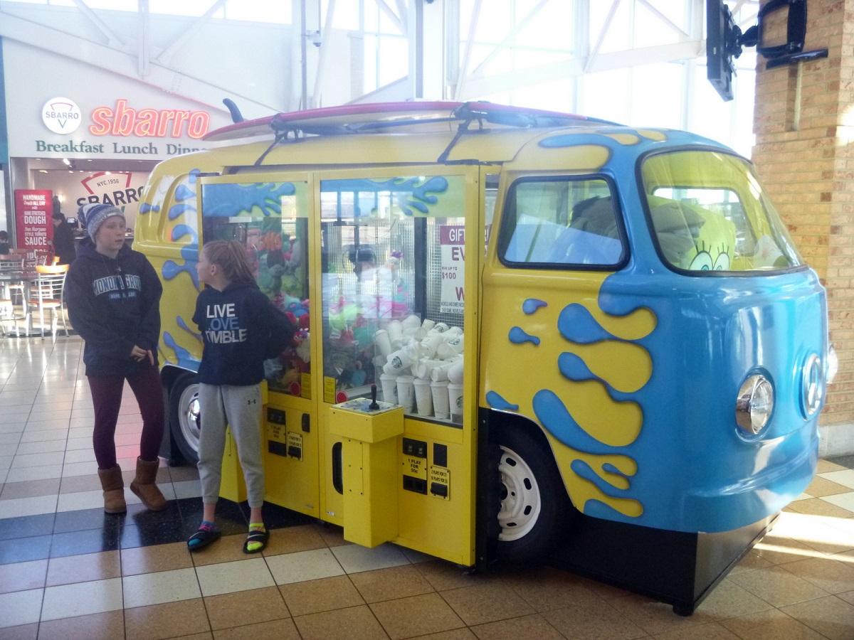 Populair busje! Tijd voor kopje koffie in Rest Area aan Route 90 - op weg naar Chicago