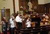 op de achtergrond speelt de Violin Club - in de Immanuel Lutheran Church - Saint Paul