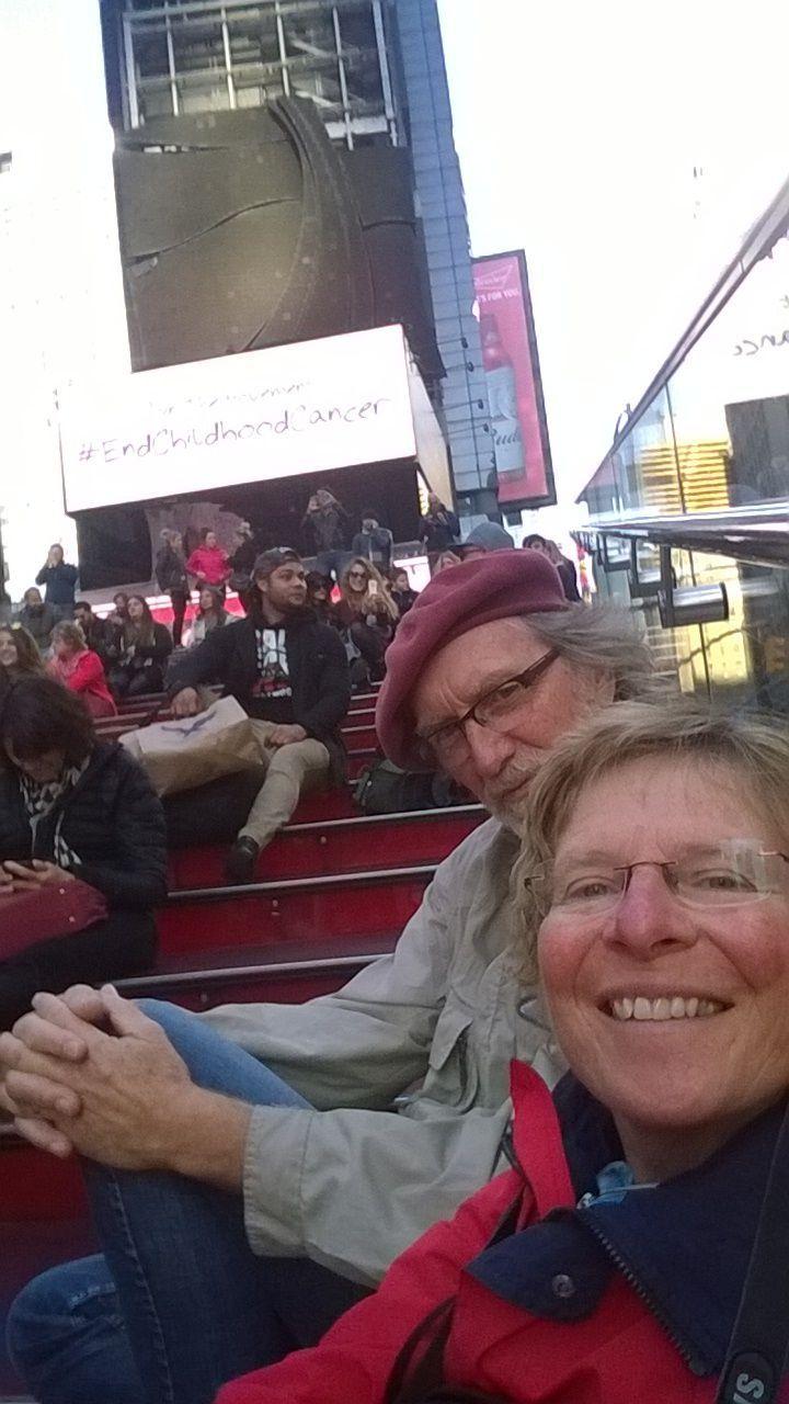 13 selfie - op Times Square, en even genieten van het spaarzame zonnetje