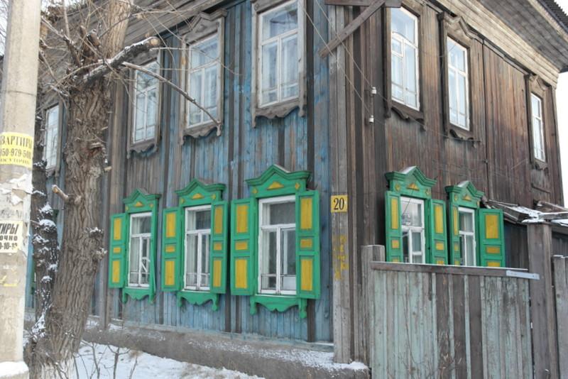 10-een-wat-groter-karakteristiek-houten-huis