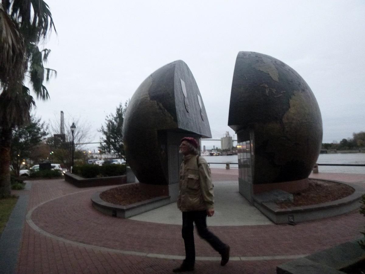 16 monument voor allen die deelnamen en vielen tijdens de verschillende oorlogen in de Werelddelen waar de USA in participeerde