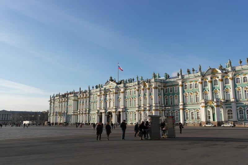 Even een kijkje op het plein voor de Hermitage