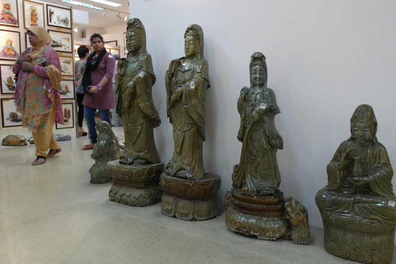 117-en-veel-boeddhistische-afbeeldingen