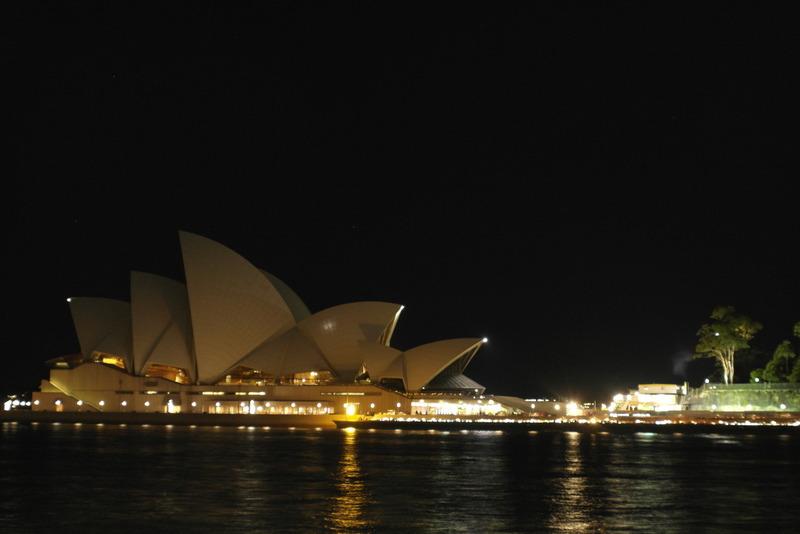 106-sydney-opera-house-bij-nacht-wandeling-circular-quay