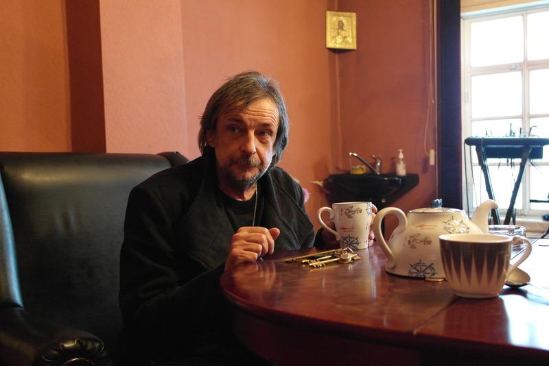 05-vladimir-socolov-directeur-en-oprichter-van-theatre-of-pilgrims-vertelt-over-muziek-en-cultuur