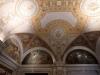 7 Mezzanine, met aan het plafond schilderingen van de vijf zintuigen, en schilderingen van kennis, wijsheid, begrip en filesofie