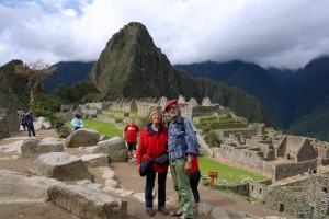 09 Machu Picchu - Quechua voor Oude Berg -een stad waar nog veel van de Inca-beschaving terug te vinden is. In 1983 opgenomen in de Werelderfgoedlijst van UNESCO