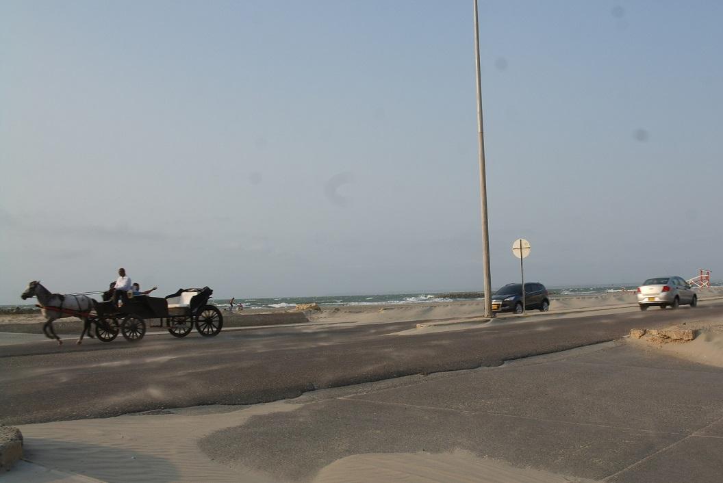 13 avondwandeling langs de Avenida Santander - veel wind en zandduinen