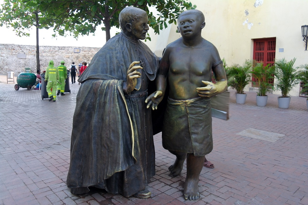 50 Bronzen sculptuur op Plaza San Pedro Claver - van Enrique Grau (Cartagena 1920 - Bogota 2004)