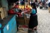 06 fruitverkoopster op de zaterdagmarkt in San Cristobal SAM_6282