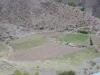 24 en zelfs tussen de rotsen wonen hier mensen, brengen groene vlaktes in cultuur