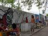 25 gezellige camping, enkele gasten leven zich uit met Graffiti