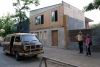 08 Als we in Talca op zoek zijn naar een Camping of goede staplaats ontmoeten we op straat al snel Fanny Rojas, lerares Engels. Hier voor haar huis in aanbouw