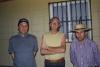 21 mooie pose -  v.l.n.r huisvriend van familie Rojas, als kind vroeger in de zelfde omgeving samen opgegroeid, Wim en Patrick