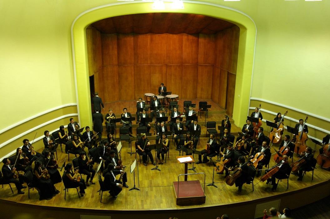 36 genieten van Beethoven Concert door La Orquesta Sinfonica Nacional in Centro Sinfonico La Paz