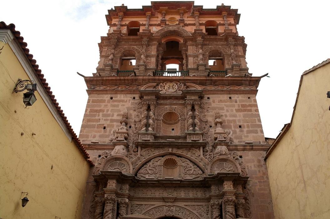 31 De voorgevel van Mirador Torre, zorgvuldig gerestaureerd