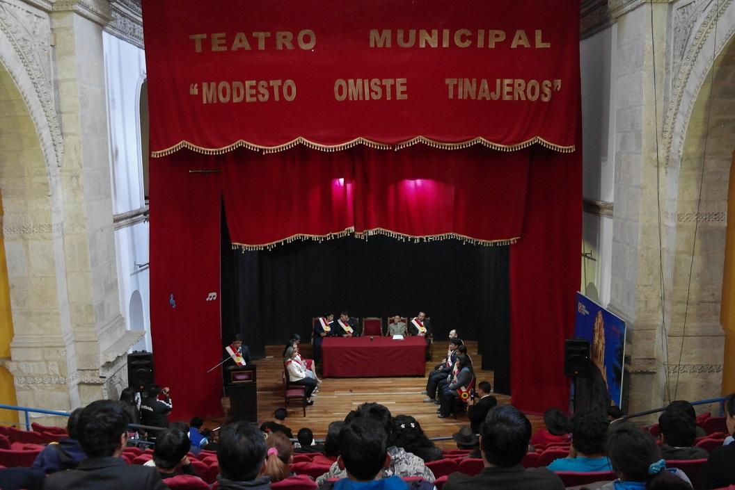 37 Teatro Municipal, samenkomst en promotie tourisme voor in en rondom Potosi