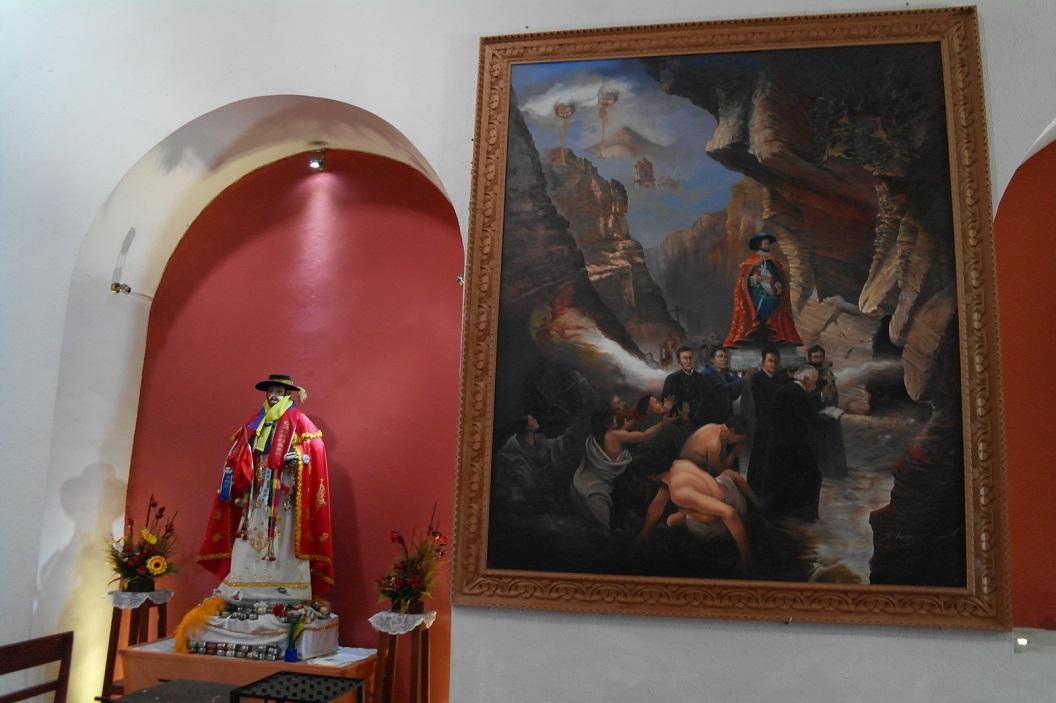 43 binnen in Iglesia San Bernardo, Potosi de patroon- beschermheilige van de mijnwerkers, met plechtigheid jaarlijks in processie door de stad