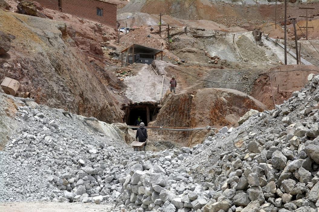 57 mijnwerkers gaan de schacht weer in