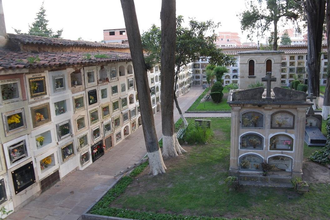 19 The Main Cemetery van Sucre een historische begraafplaats, een van de eerste gepland (1789) buiten de dichtbevolkte gebieden om ziekten en besmetting te voorkomen