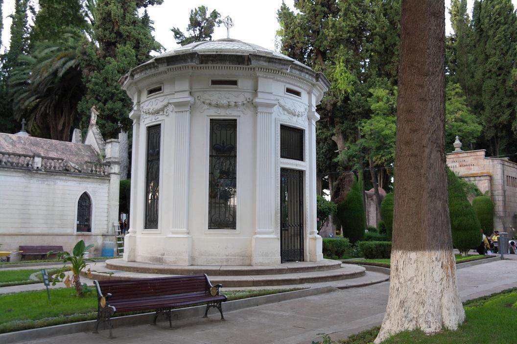 22 mausoleum van 2e echtgenote van Gregorio Pacheco