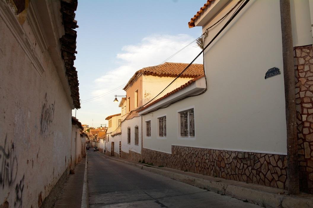 33 Calle Suipacha, einde van dag. We wandelen we terug naar het centrum van de stad