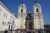40 The Franciscan Monastery of Lima. Kerk en klooster werden in 1545 gebouwd in een opvallende Moorse stijl