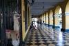 45 doorkijkje door galerij van Pasaje Olaya, Lima