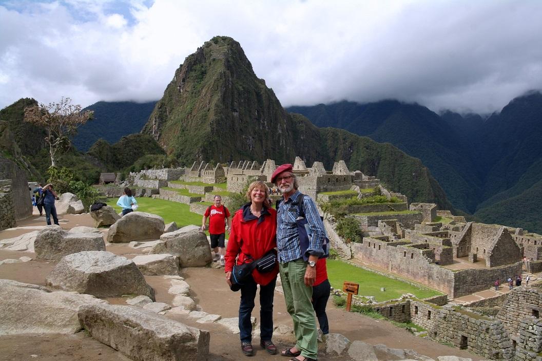 09 Machu Picchu - Quechua voor Oude Berg - Lost City of the Inca's, een stad waar nog veel van de Inca-beschaving terug te vinden is. In 1983 werd de stad opgenomen in de Werelderfgoedlijst van UNESCO