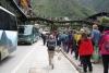 04 het dorp Aguas Calientes, vanaf Aguas Calientes rijden er bussen naar Machu Picchu, De Verborgen Stad verscholen op een hoogte van 2350 m