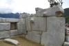 28 architectonisch kunstig staaltje van vakmanschap, grote granietenblokken met heel veel hoeken en uiteenlopende vormen