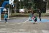 35 er doen ca 50 kinderen mee van alle leeftijden, voetbal en basketbal blijkt vooral populair SAM_4844