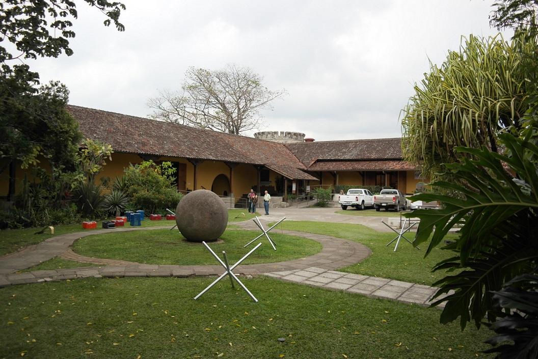 07 de binnenplaats van het voormalige Bellavista Fortress - nu Museum Nacional de Costa Rica SAM_4785