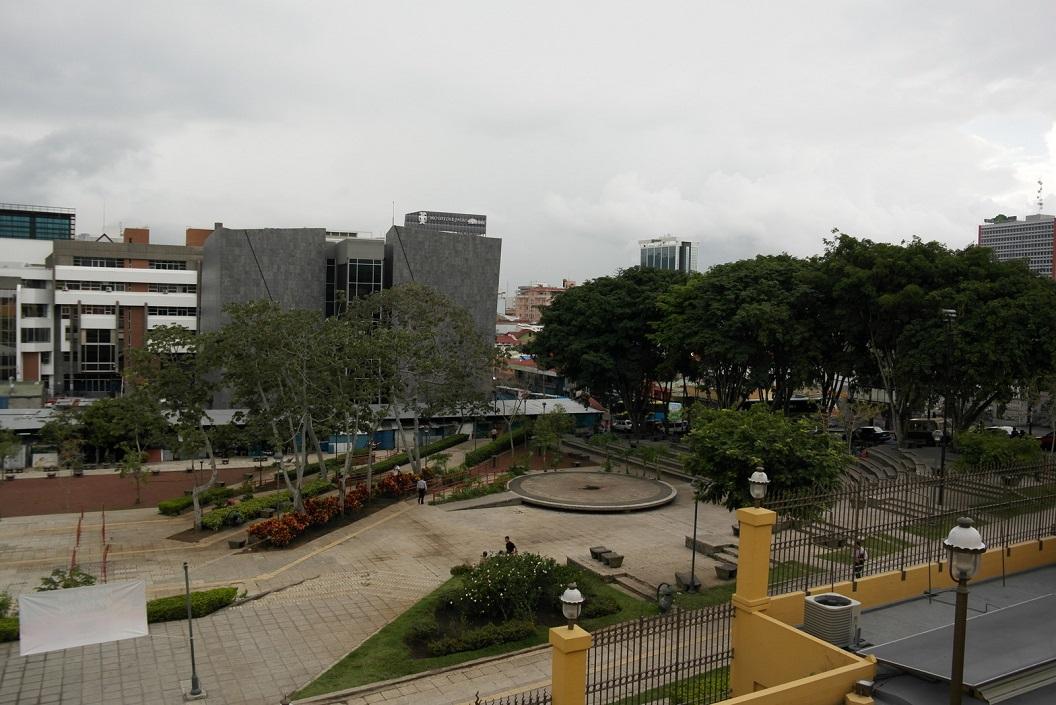 20 zicht op Plaza de la Democracia en San Jose - voor het museum SAM_4781