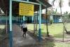 43 lagere school waar ca 76 kinderen opzitten, Yendri nam me mee naar haar klasje, de school is al uit SAM_5259