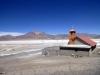 35 op weg van Chui Chui naar Ollagüe (grensplaatsjen Bolivia), een prachtige route waar zelfs een kerkje niet ontbreekt
