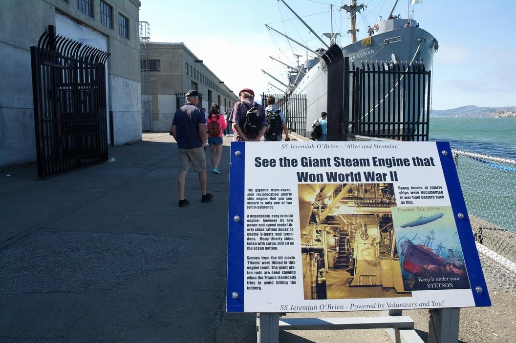 11 in de haven - Fisherman`s Wharf - geschiedenis van de vloot USA tijdens WW11 SAM_7688